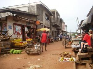 Ce petit marché était jadis le terrain où Roger Milla jouait- By Josiane Kouagheu-