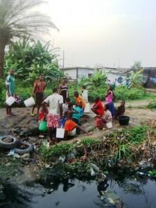 "Douala a soif -""crédit photo: Josianekouagheu"""