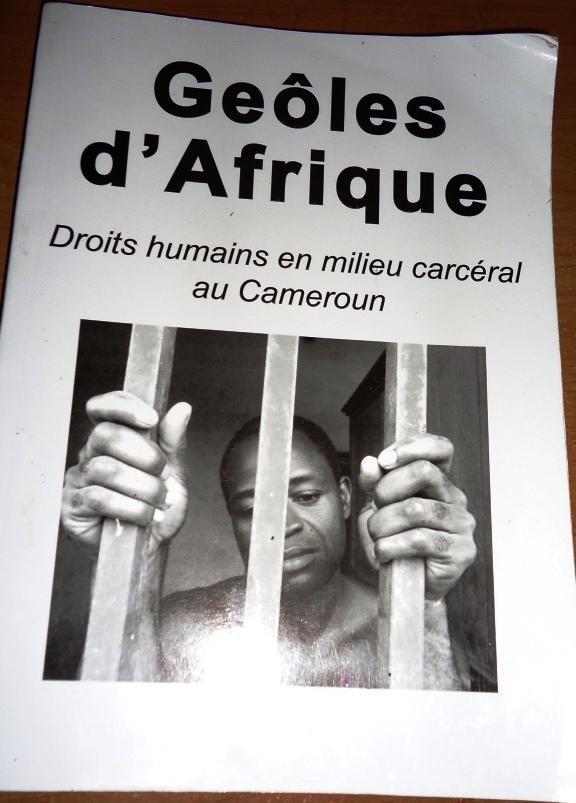 """Couverture du livre """"Geôles d'Afrique"""". By Josiane Kouagheu"""