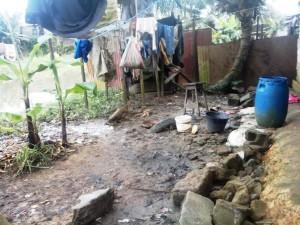 Vue des toilettes d'une habitation. Crédit-photo: @JosianeKouagheu